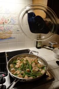 Cooking asparagus and shrimp
